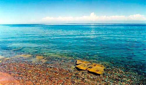 озеро Иссык-Куль в Киргизии фото