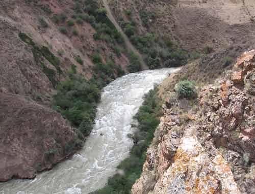 Боомское ущелье - один из красивых мест в Кыргызстане