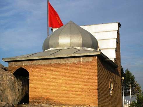 Один из главных мечетей Сулайман-тоо