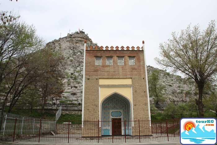 Достопримечательность Оша - мавзолей Асафа Бурхия
