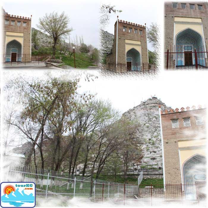 Ошская достопримечательность - мавзолей Бурхия Асафа