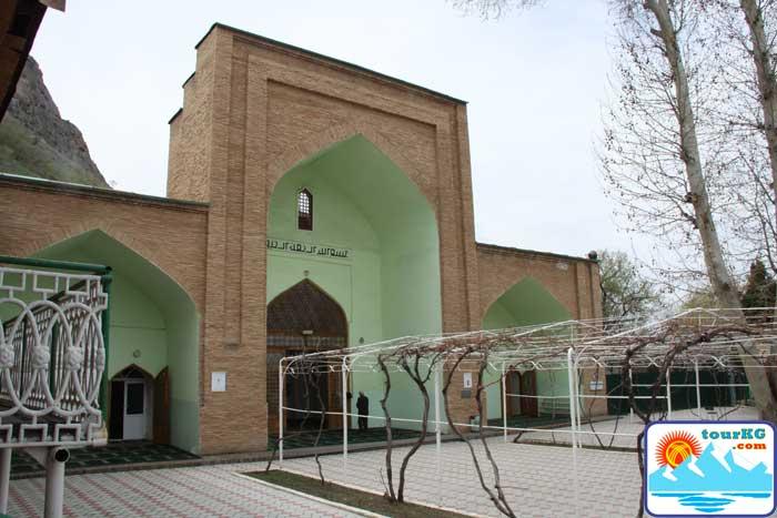 Фото мечети 16 века Рават Абдуллахан
