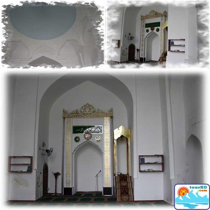 Фото центрального зала мечети Абдуллахана